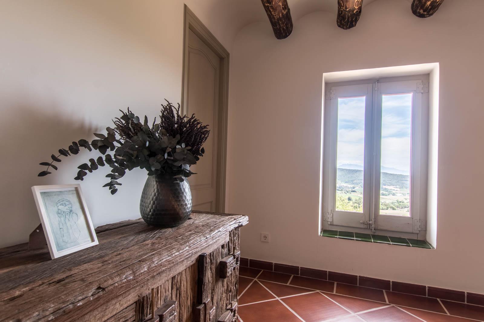 espacio común casa rural lujo vistas Montserrat